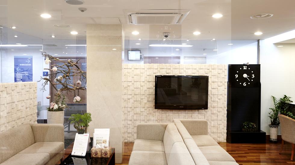 LG전자의 실내기를 통해 24시간 쾌적한 온도를 유지하고 있는 경희의료원의 건강검진센터.