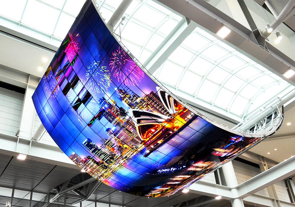 LG 올레드 모멘트, 인천국제공항을 화려한 빛의 캔버스로 물들이다